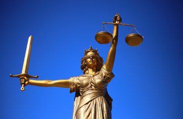 Abgasskandal: Urteil gegen Daimler Fahrzeug: Mercedes C 220 d T (Abgasnorm Euro 6) Landgericht Mönchengladbach, 1 O 248/18 vom 09.07.2019