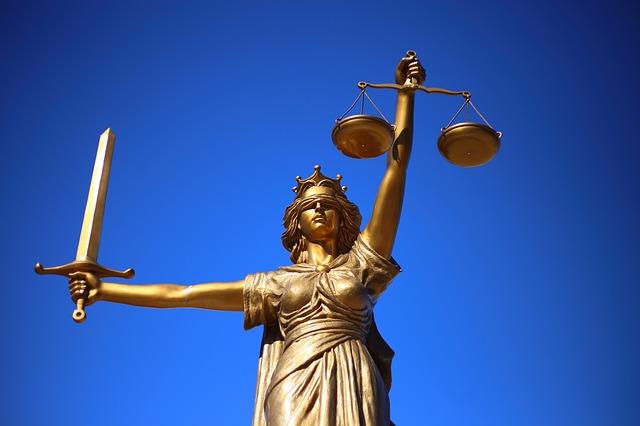 Daimler Abgasskandal: Landgericht Stuttgart 27 O 40/19 verurteilt Daimler