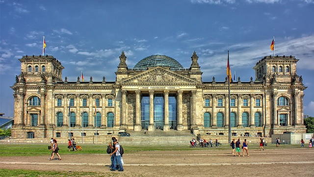 Kammergericht Berlin sieht Schadensersatz gegen VW bei einer Laufleistung von 300.000 km für gegeben.