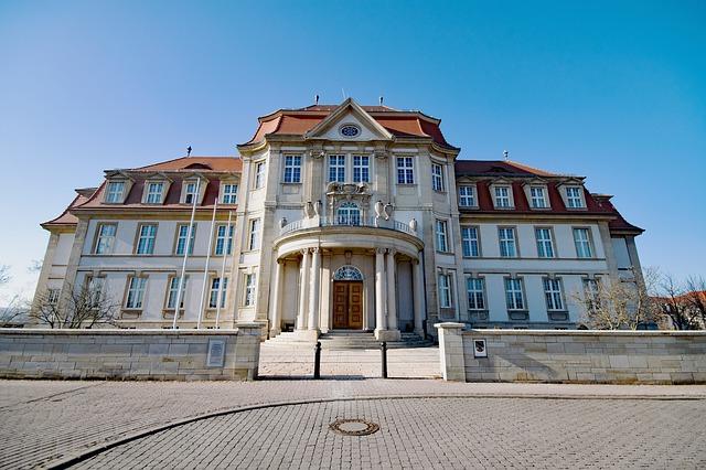Oberlandesgericht Naumburg hat VW im Abgasskandal zur Zahlung von Schadensersatz verurteilt (AZ. 7 U 24/19)
