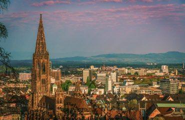Landgericht Freiburg verurteilt Daimler bei einem Mercedes Benz V 250 AZ: 8 0 71/19