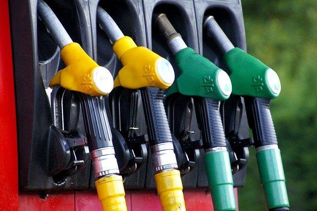 Gutachten bestätigt, dass auch Benziner vom Abgasskandal betroffen sind