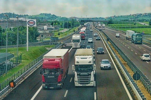 Deutsche Umwelthilfe misst extrem hohen Stickoxid-Ausstoß bei Euro V und Euro VI Lkw im Realbetrieb